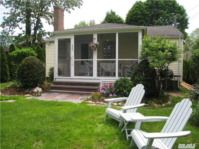 400 Orchard St, New Suffolk, NY 11956