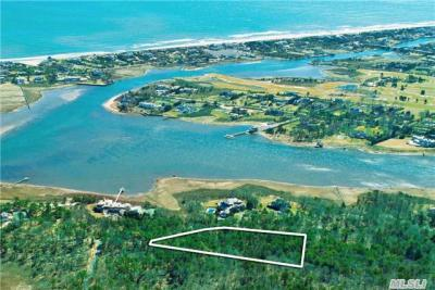 Photo of 27 Second Neck Ln, Quogue, NY 11959