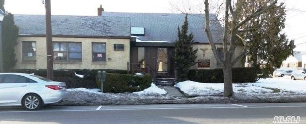 300 N Central Ave, Valley Stream, NY 11580