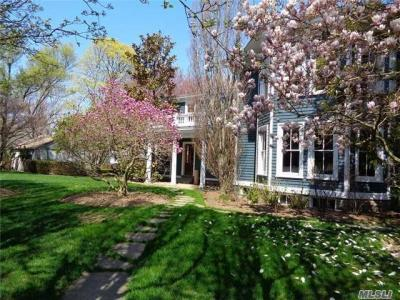 Photo of 633 1st St, Greenport, NY 11944
