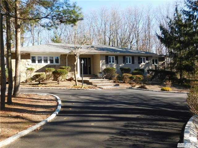 7 Deer Path, Port Jefferson, NY 11777