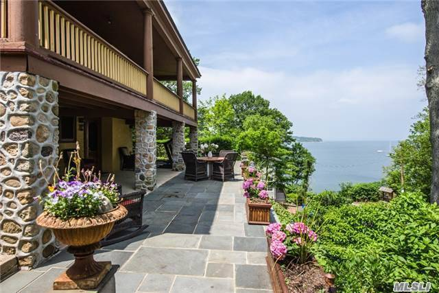 174 15th Ave, Sea Cliff, NY 11579