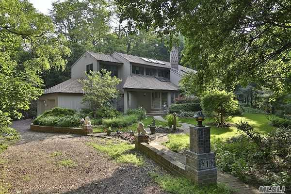 1 Old Field Woods Rd, Old Field, NY 11733
