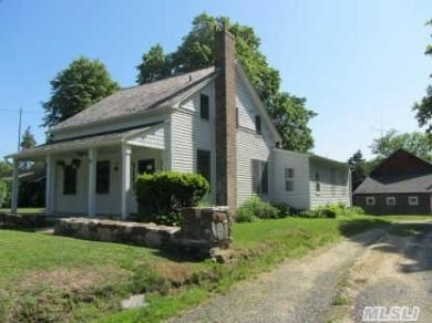 265 Washington Ave, Jamesport, NY 11947