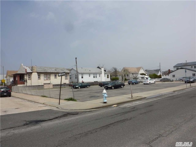 741 E Broadway, Long Beach, NY 11561