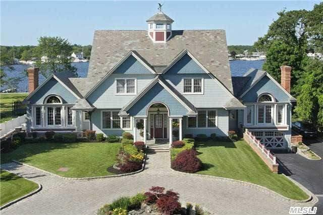 357 Great River Rd, Great River, NY 11739