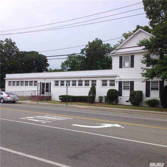 1855 Union Blvd, Bay Shore, NY 11706
