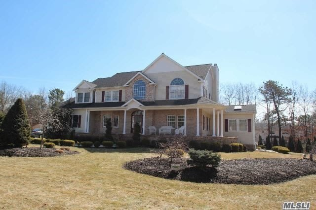 190 Silas Carter Rd, Manorville, NY 11949