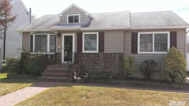 2456 Williams Ct, Bellmore, NY 11710