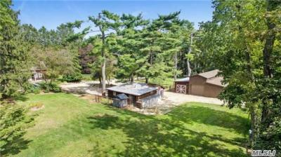 Photo of 1373 Carlls Straight Path, Dix Hills, NY 11746