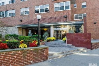 Photo of 111-20 73 Ave #9d, Forest Hills, NY 11375