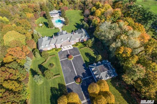 1 Bel Air Ct, Upper Brookville, NY 11771