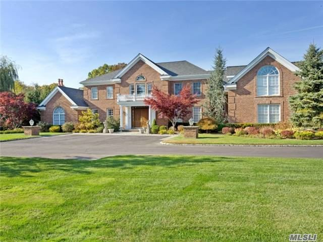 3 Pen Mor Dr, Muttontown, NY 11732