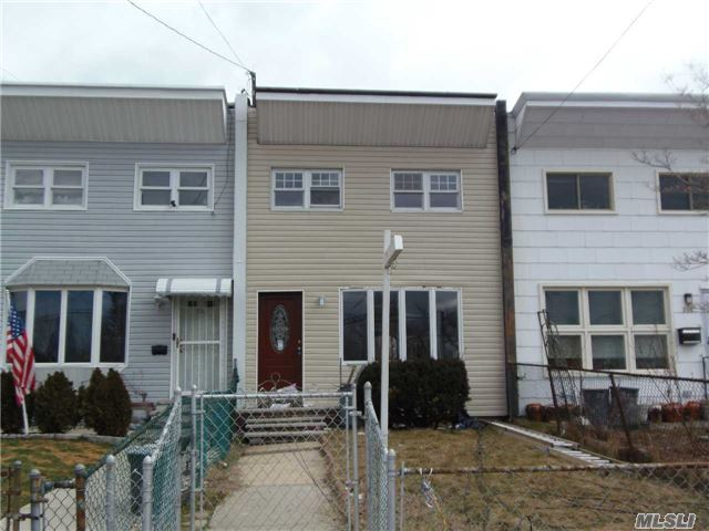 512 Reynolds Ave, Out Of Area Town, NY 10465