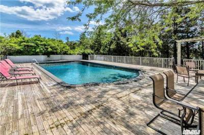 Photo of 272 Oneck Ln, Westhampton Bch, NY 11978