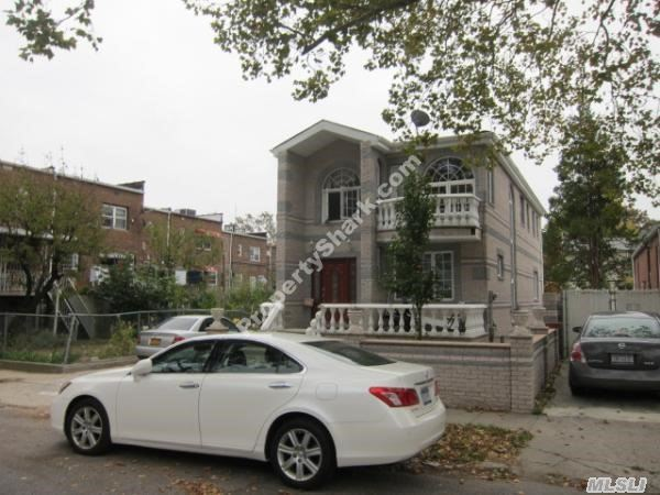 138-72 62nd Rd, Flushing, NY 11367