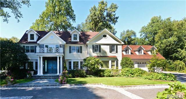 40 Old House Ln, Sands Point, NY 11050