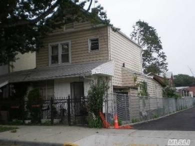 89-35 127 St, Richmond Hill, NY 11418