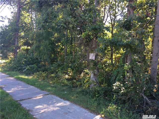 Rte 25a, Miller Place, NY 11764