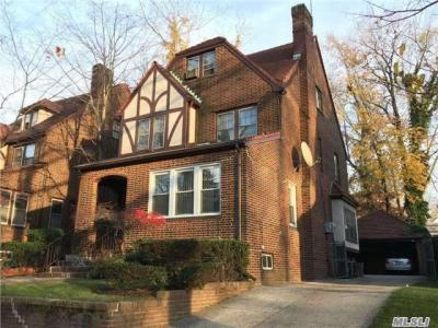 Photo of 97-08 70 Ave, Forest Hills, NY 11375