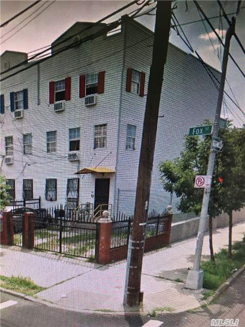 1545 Fox St, Out Of Area Town, NY 10459