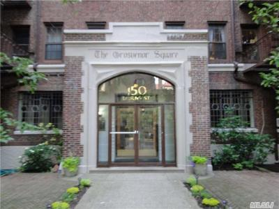 Photo of 150 Burns St, Forest Hills, NY 11375