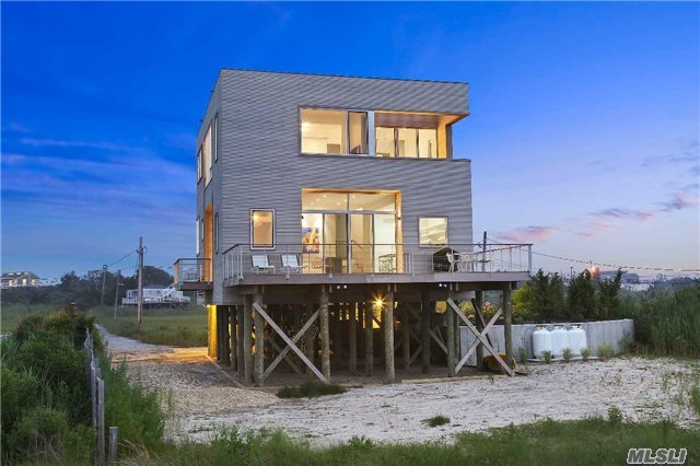 346 Dune Rd, Westhampton Bch, NY 11978
