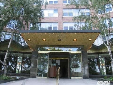 61-20 Grand Central Pky #B 1000, Forest Hills, NY 11375