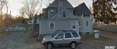 352 Grove Ave #A, Patchogue, NY 11772