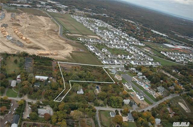 Old East Neck, Melville, NY 11747