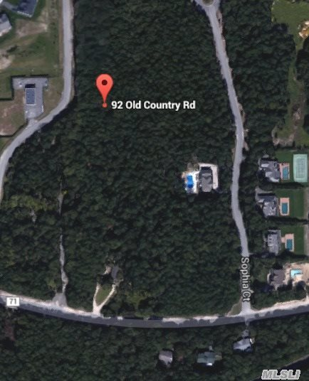 92 Old Country Rd, Westhampton, NY 11977