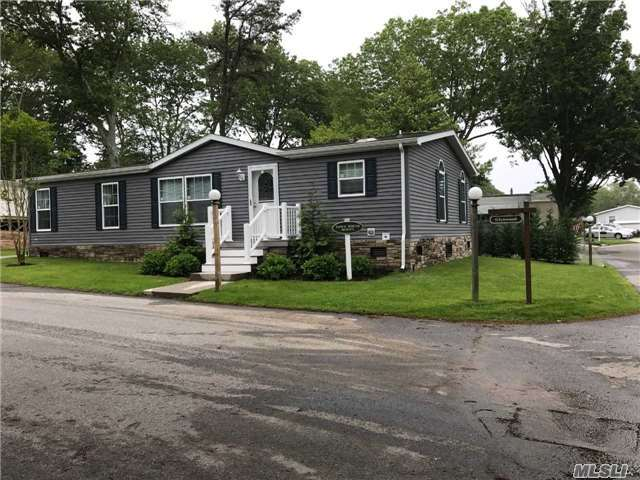1661-258 Old Country Rd, Riverhead, NY 11901