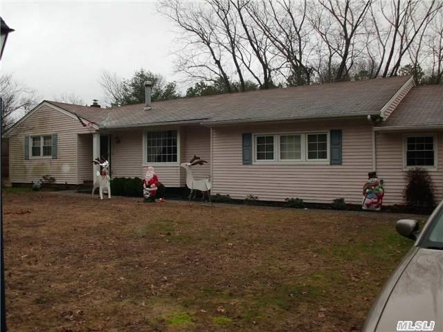 25 Miller Place Yap Rd, Middle Island, NY 11953