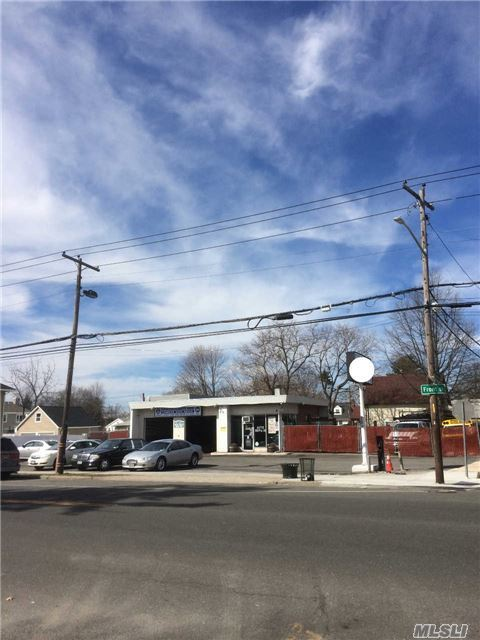 1201 Front St, Uniondale, NY 11553