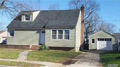 859 Spring Ave, Uniondale, NY 11553