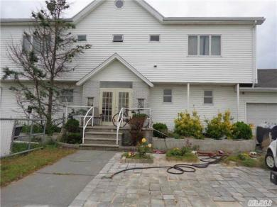 10-05 Church Rd, Broad Channel, NY 11693