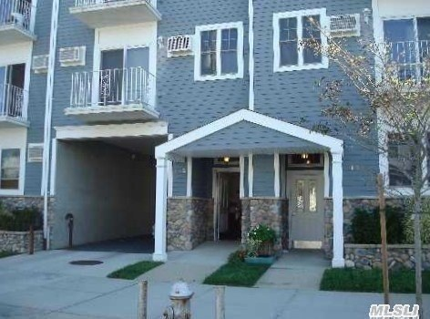132 Beach 92nd St #3c, Rockaway Beach, NY 11693