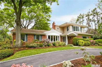 3 Elm Ct, Sands Point, NY 11050