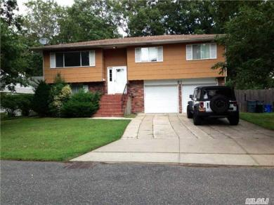 81 Totten Ave, Deer Park, NY 11729