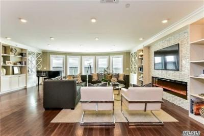 Photo of 433 Main St #212, Port Washington, NY 11050