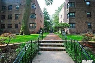 48 Brompton Rd #A, Great Neck, NY 11021