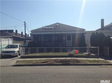 255-14 86th Ave, Floral Park, NY 11001