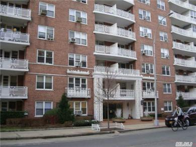 69-10 108 St #7g, Forest Hills, NY 11375