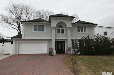 6 W Valley Ln, N Woodmere, NY 11581
