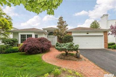 110 Fairway View Dr, Commack, NY 11725