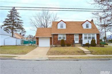 629 Webster Ave, Uniondale, NY 11553