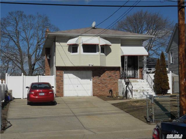309 Grand Ave, Freeport, NY 11520