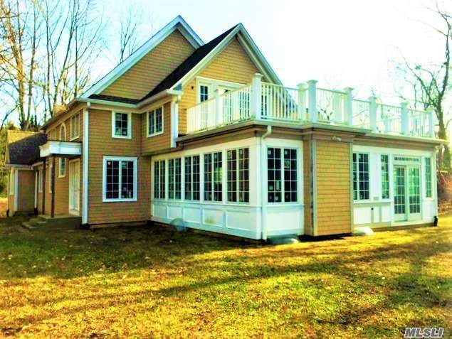 31 Thompson Ln, Head Of Harbor, NY 11780