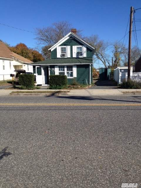 15 River Ave, Patchogue, NY 11772