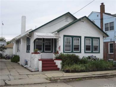 55 Hewlett Ave, Point Lookout, NY 11569
